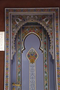wooden-painted-door-1