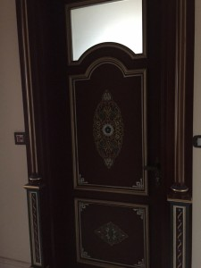 wooden-painted-door-9